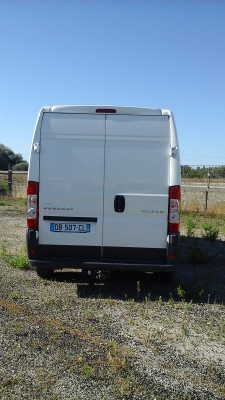 vend peugeot boxer vente de caravanes lan on de provence midi 13 loisirs. Black Bedroom Furniture Sets. Home Design Ideas