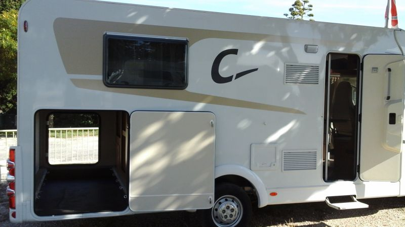 vend camping car carado t 447 neuf vente de caravanes lan on de provence midi 13 loisirs. Black Bedroom Furniture Sets. Home Design Ideas