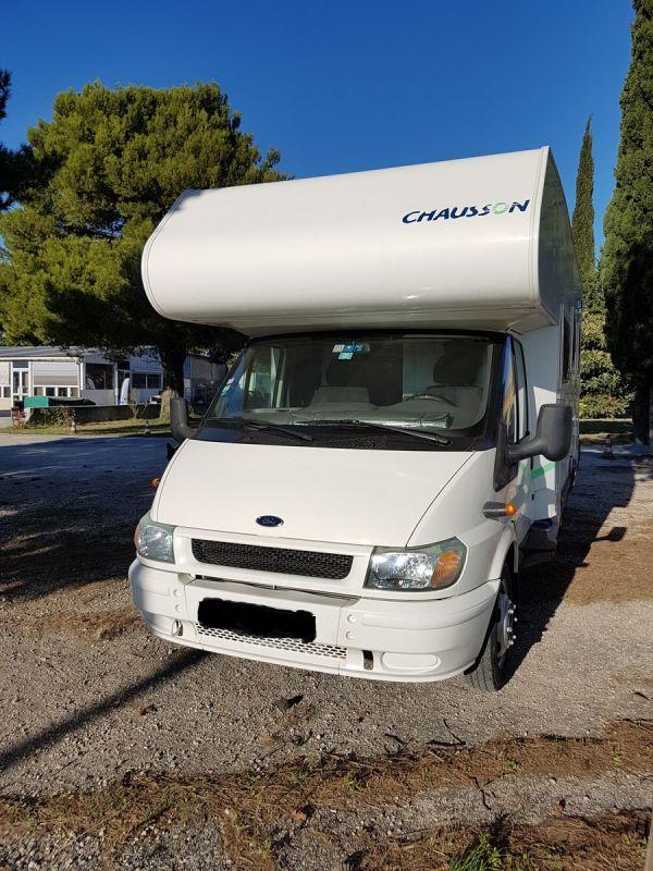 vend camping car chausson welcome 28 vente de caravanes lan on de provence midi 13 loisirs. Black Bedroom Furniture Sets. Home Design Ideas