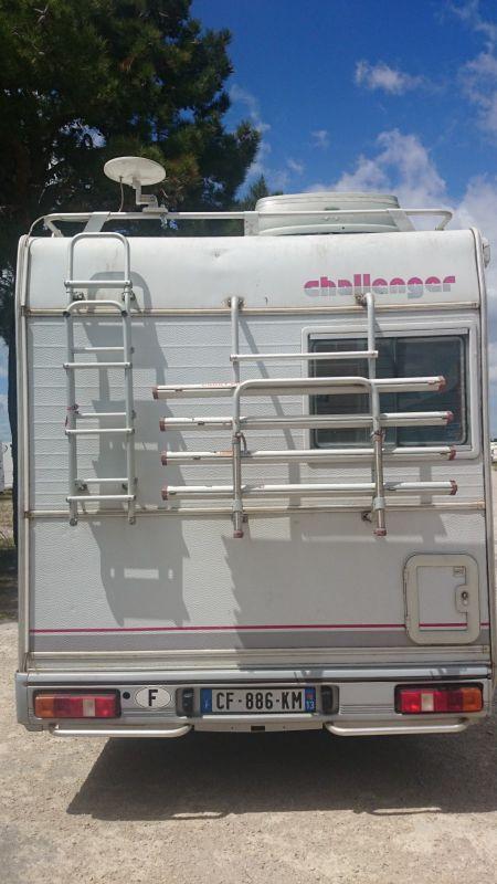 vend camping car challenger 120 vente de caravanes lan on de provence midi 13 loisirs. Black Bedroom Furniture Sets. Home Design Ideas