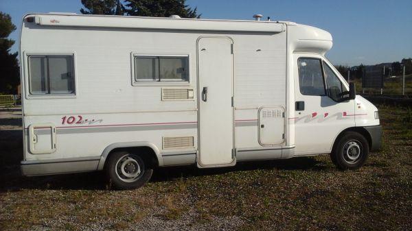 vente camping car pas cher marseille midi 13 loisirs. Black Bedroom Furniture Sets. Home Design Ideas
